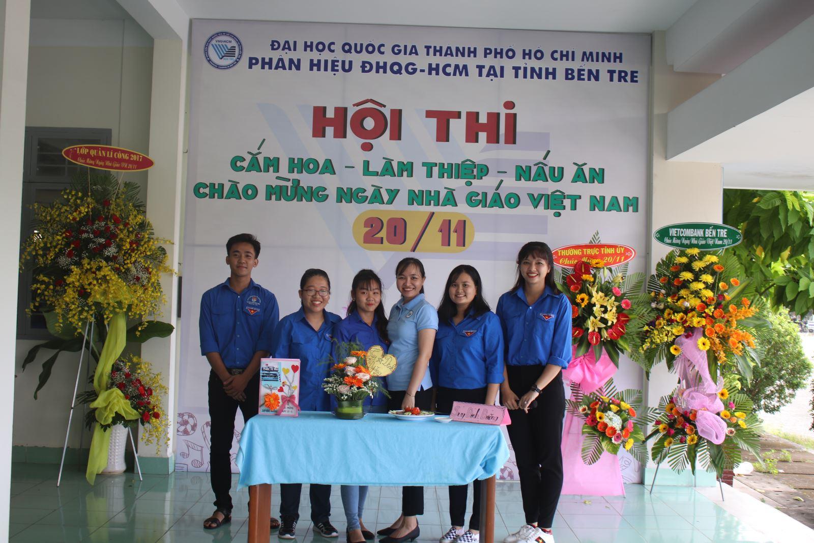 Hội thi ''Cắm hoa - Làm thiệp - Nấu ăn Chào mừng 36 năm Ngày Nhà giáo Việt Nam 20/11/1982 - 20/11/2018'' tại Phân hiệu ĐHQG-HCM tại tỉnh Bến Tre