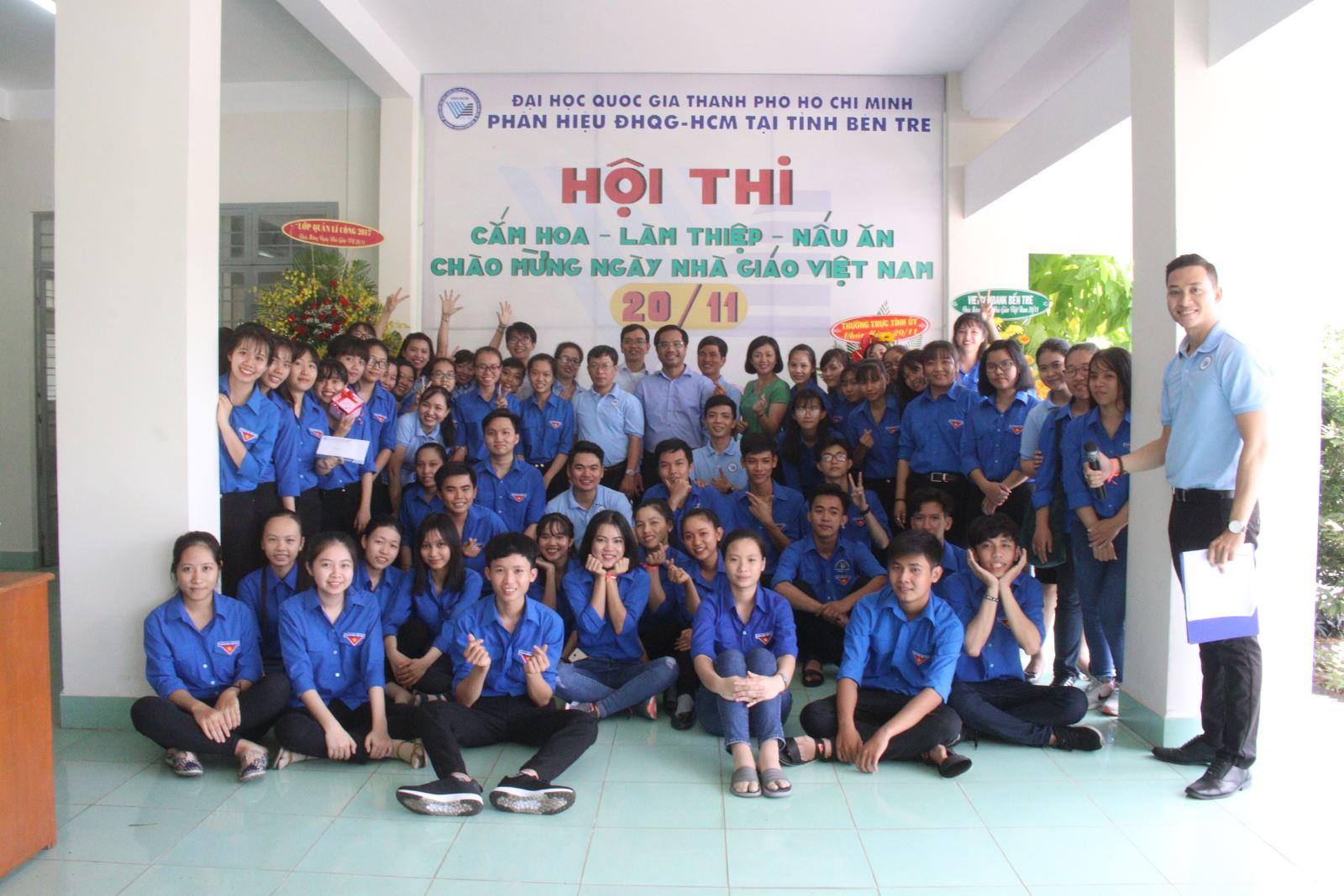 Hội thi ``Cắm hoa - Làm thiệp - Nấu ăn Chào mừng 36 năm Ngày Nhà giáo Việt Nam 20/11/1982 - 20/11/2018`` tại Phân hiệu ĐHQG-HCM tại tỉnh Bến Tre
