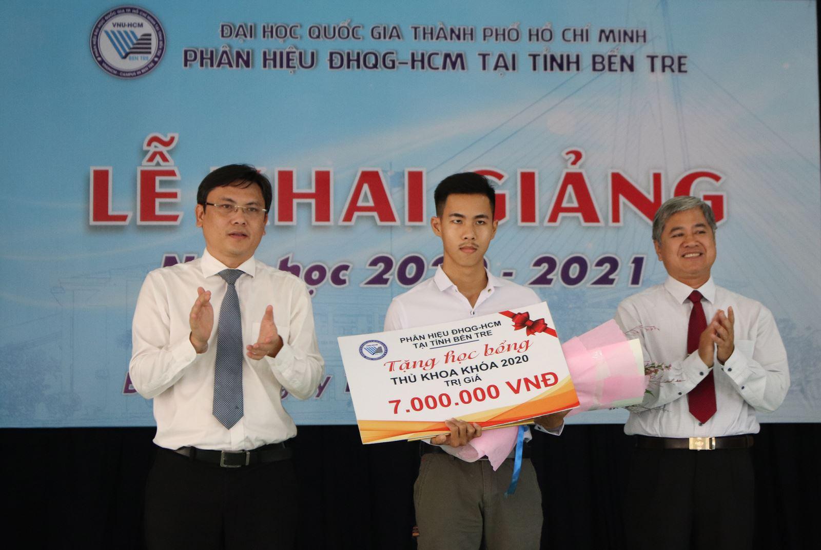 PHÂN HIỆU ĐHQG-HCM KHAI GIẢNG NĂM HỌC MỚI 2020 - 2021