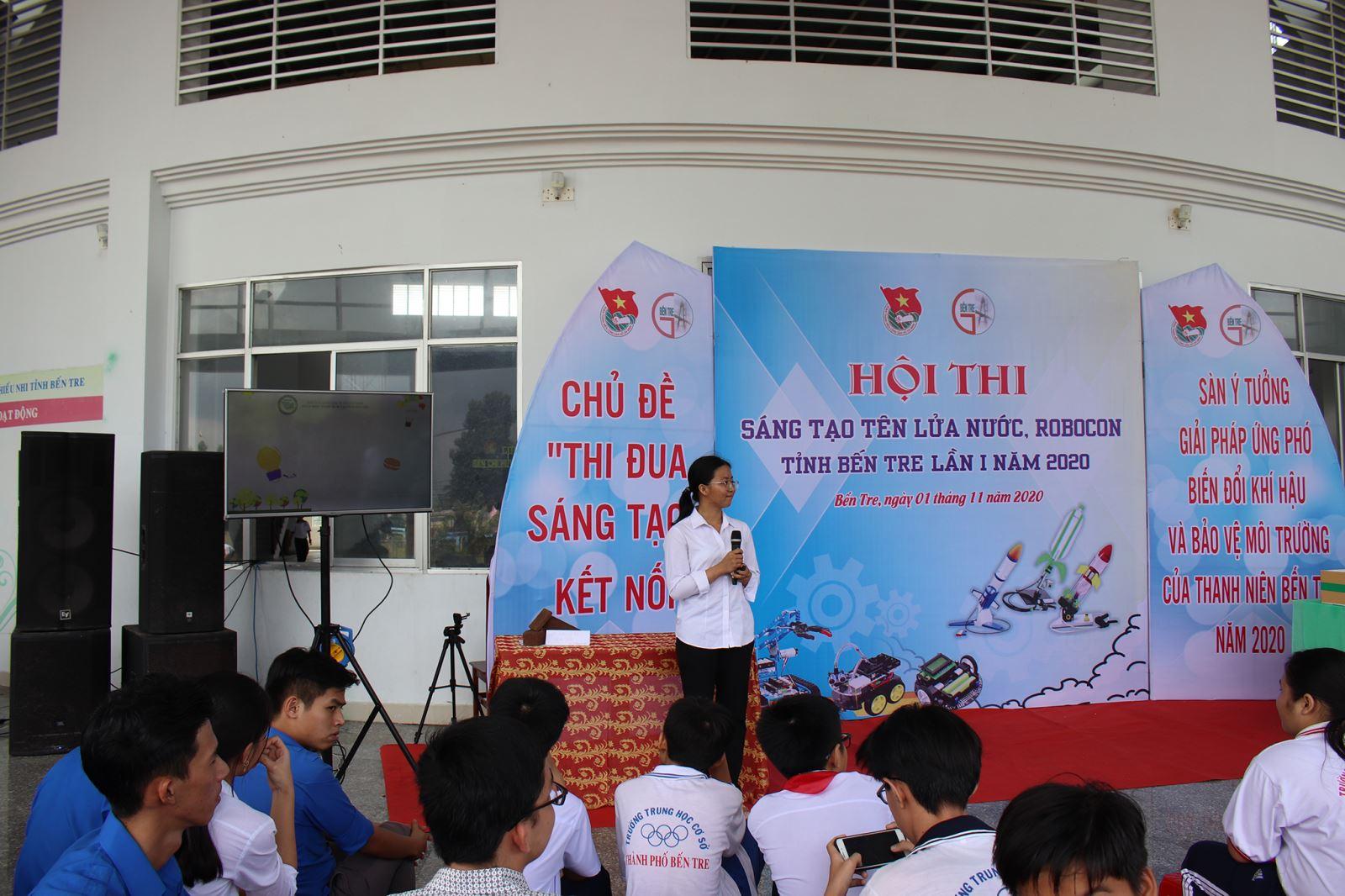 Sinh viên ngành Kỹ thuật xây dựng tham gia Hội thi và