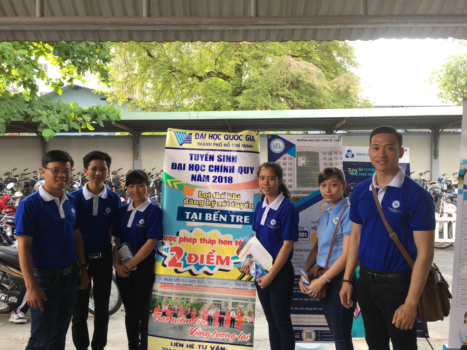 Phân hiệu ĐHQG-HCM tại tỉnh Bến Tre tham gia Ngày hội tư vấn tuyển sinh 2018 tại Đại học Tiền Giang