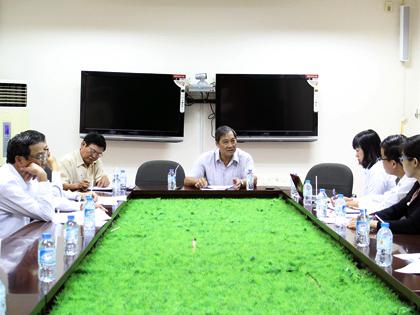 Phó Chủ tịch UBND tỉnh Nguyễn Hữu Phước chủ trì họp Hội đồng tuyển chọn thí sinh xét tuyển đại học và thi tuyển thạc sĩ tỉnh Bến Tre